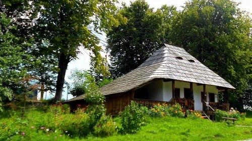 Casă taraneasca tradițională din Bucovina