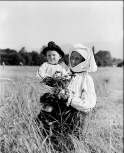 tarani bunica copil Drăguș 1929